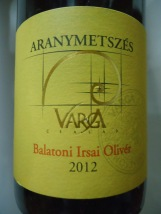 Aranymetszés-varga-balatoni-irsai-olivér-2012-vinho-húngaro
