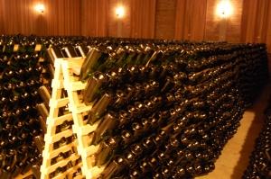 garrafas em autólise no pupitre remuage