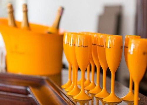 Veuve-Clicquot-brinde-champagne