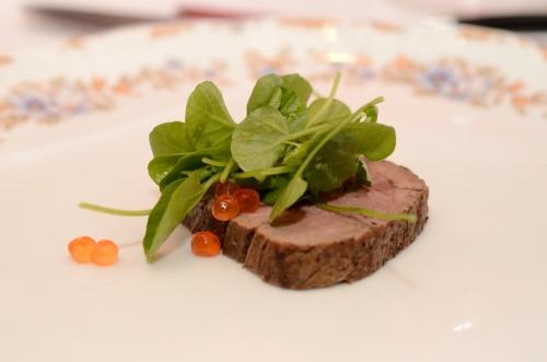rosbife-com-ovas-de-salmão-chef-rouge
