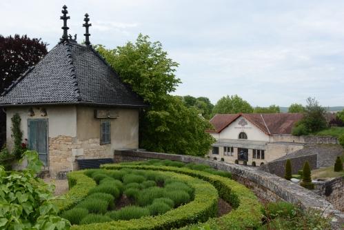 Sede-Domaine-Bouchard-Père-et-Fils-torre-Chateau